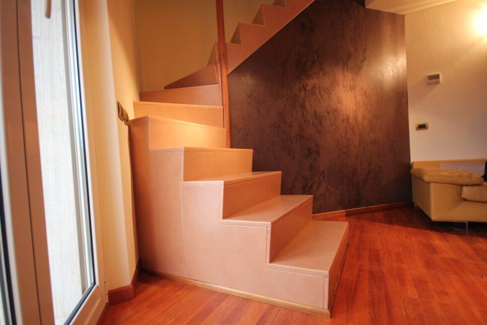 abitazione-privata-rivestimento-scala-1